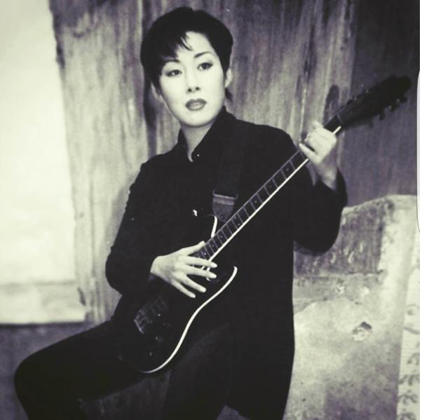 Вот так выглядела певица в 1997 году