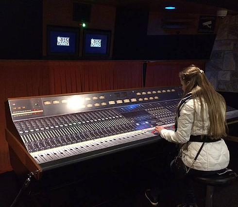Сейчас на месте студии Mountain Studios открыт мини-музей, посвященный творчеству группы Queen
