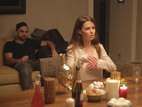 По словам создателей видео, историю, рассказанную в песне и в клипе, каждый сможет примерить на себя