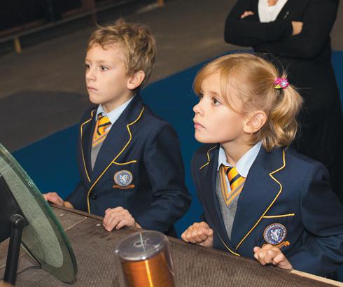 Дети Дианы Арбениной Артем и Марта в этом году пошли в первый класс. К радости мамы, они с большим удовольствием ходят в школу