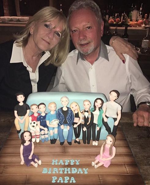 Этим тортом Виктория поздравила папу с днем рождения