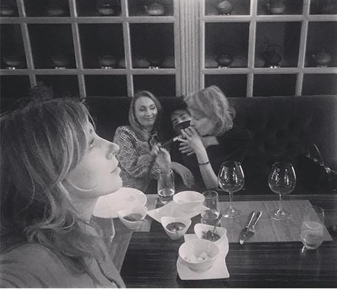 Бондарчук, Литвинова и Земфира отдохнули в ресторане