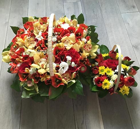 Пока Дана Борисова занята разводом, неизвестные поклонники дарят ей цветы