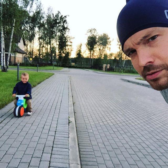 Актер балует сына лучшими игрушками