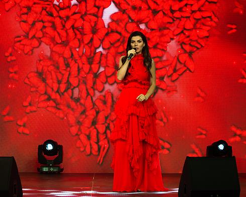 Анна Седокова поддержала финалистов талант-шоу для подростков «Битва талантов»