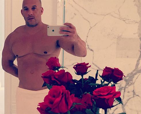 Этим снимком Вин Дизель поздравил своих подписчиков с Днем святого Валентина