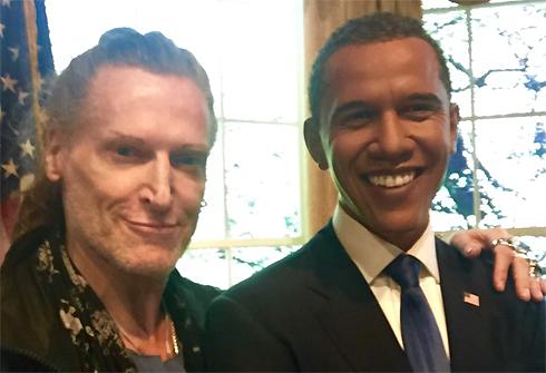 Скандальный актер хочет получить американское гражданство