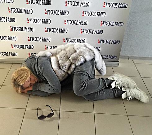 Певица показала этой фотографией, насколько она устала