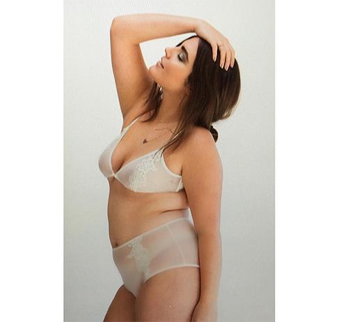 Алессандра Гарсия призывает не стесняться своей внешности
