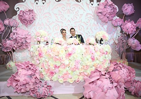Анна Грачевская и Артем Кузякин сыграли пышную свадьбу