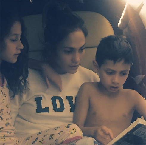 Джей Ло с детьми