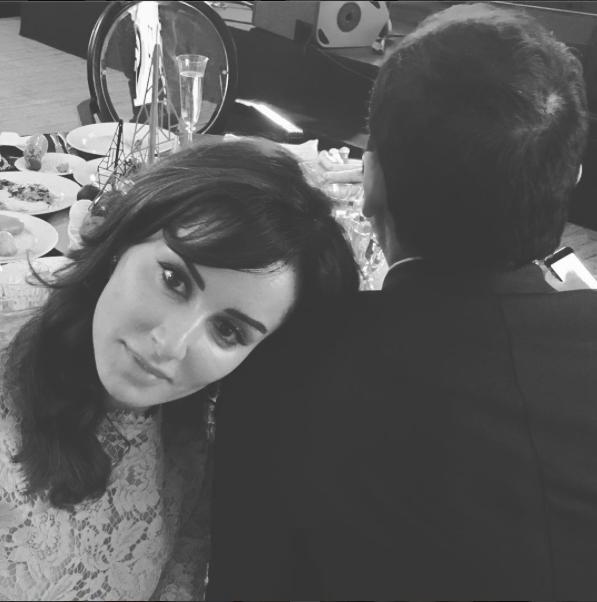 Именно из-за этого фото появились первые слухи о том, что Тина вышла замуж