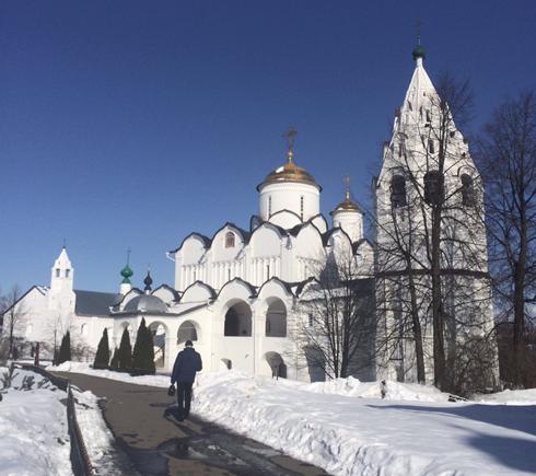 Варвару Комиссарову засыпало снегом под Суздалем