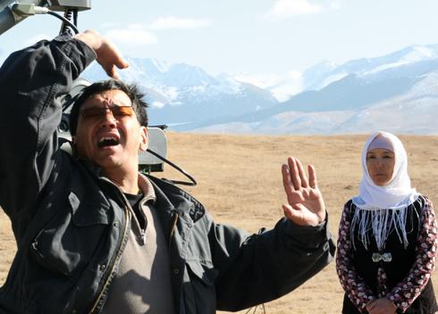 На съемках фильма «Возвращение в «А». Роль бабушки Марата исполнила Наталья Аринбасарова. Картина была номинирована на «Оскар» от Казахстана