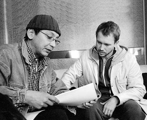 С Евгением Мироновым на съемочной площадке триллера «Побег»