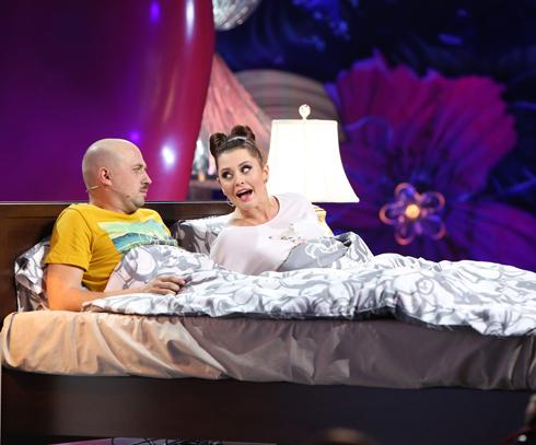 В Comedy Woman Краченко выбрала образ девчонки-гопницы, который сейчас трансформировался. Теперь она – дама, которая пилит своего мужа