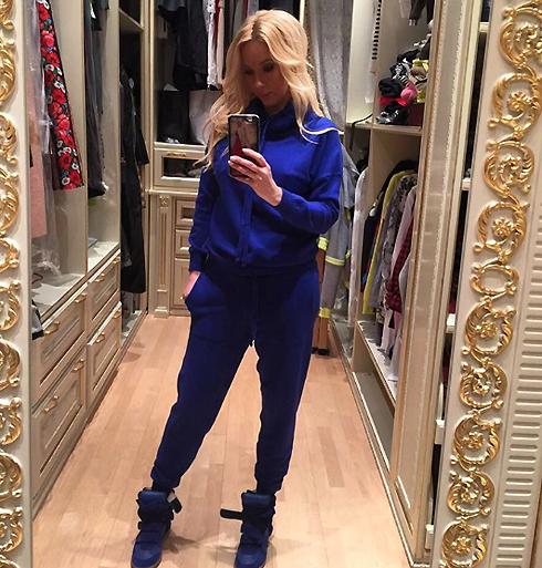 В последнее время Кудрявцева предпочитает свободную одежду
