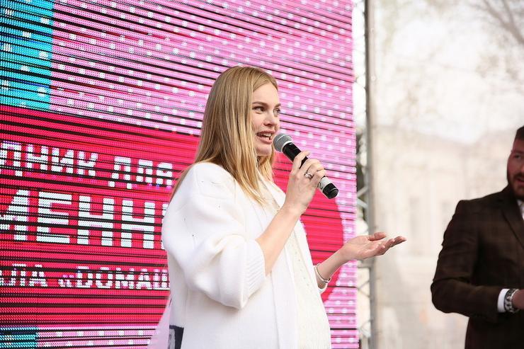 Елена Кулецкая уже выбрала роддом