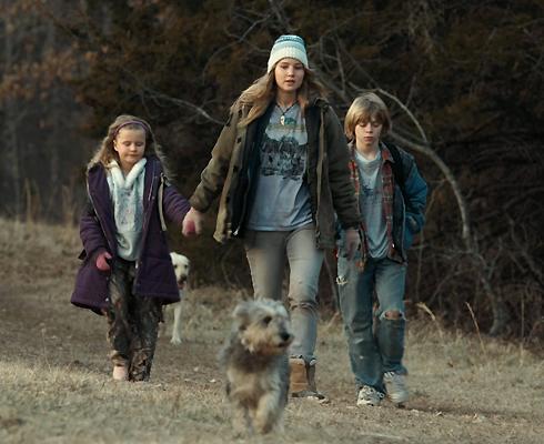 «Зимняя кость» – дебютный фильм звезды, принесший ей первые серьезные номинации и награды