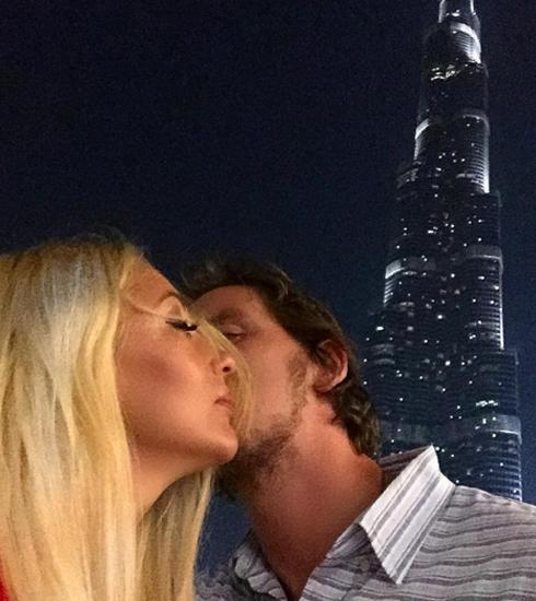 Кудрявцева и Макаров на фоне самого высокого здания Burj Khalifa