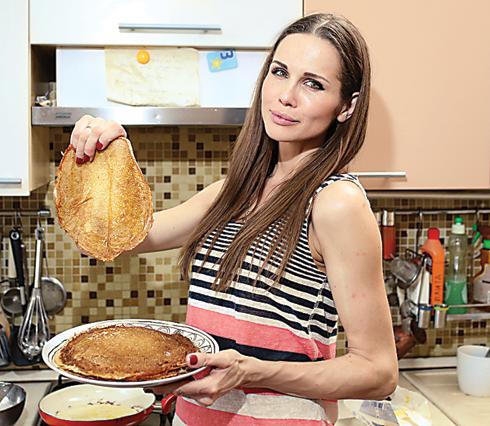 Наталья Лесниковская поделилась своим рецептом блинов