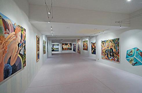 Помимо прочего, в доме Джареда Лето есть театральная студия и картинная галерея