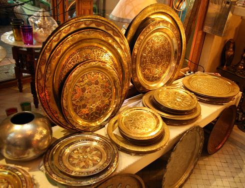 На рынках Марокко можно купить и аутентичную домашнюю утварь