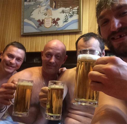 Александр Овечкин любит русскую баню...