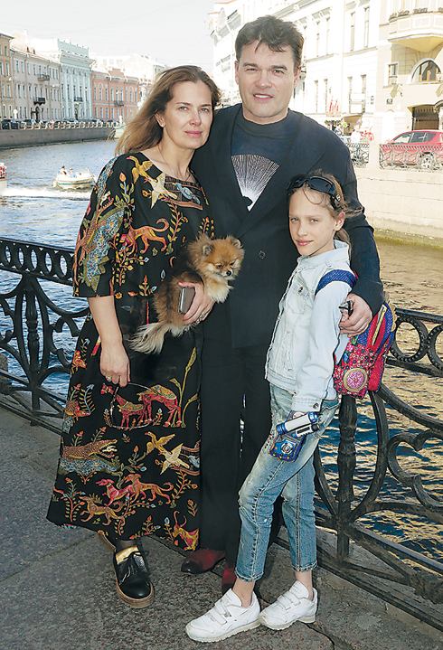 Евгений Дятлов с семьей