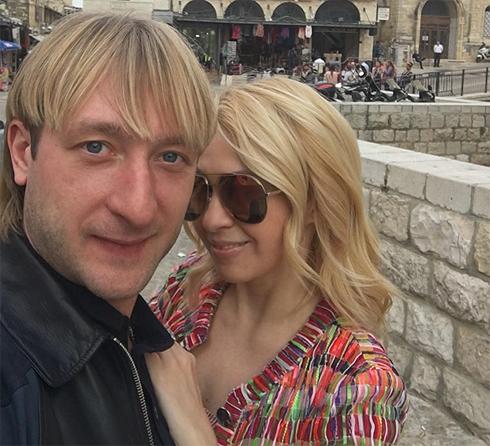 В Израиле Плющенко поддерживает жена Яна Рудковская