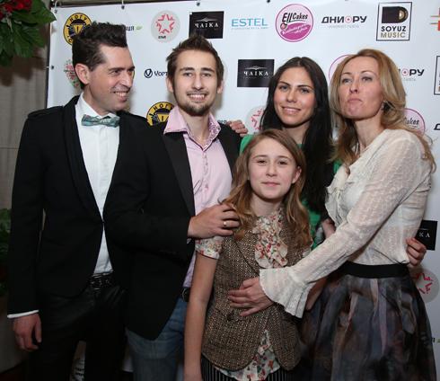 Максим Покровский с семьей
