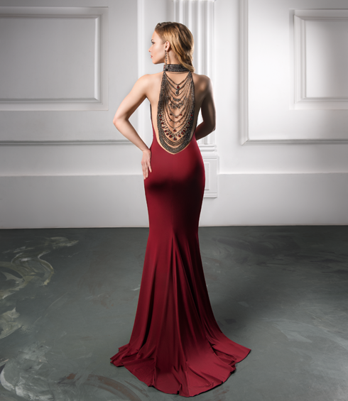 Платье, Tarik Ediz; серьги, RL Gewel