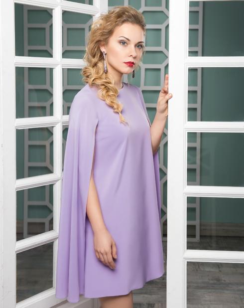 Платье, Maison de Marie; серьги, Lux Brand