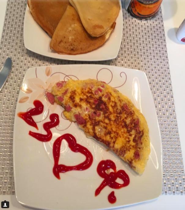 Вот такой завтрак ждал сегодня с утра Дмитрия Тарасова