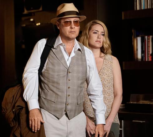Джеймс Спейдер играет преступника Рэймонда Реддингтона, который становится информатором ФБР