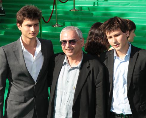 Режиссер с сыновьями Василием и Иваном, который тоже связал свою судьбу с кино
