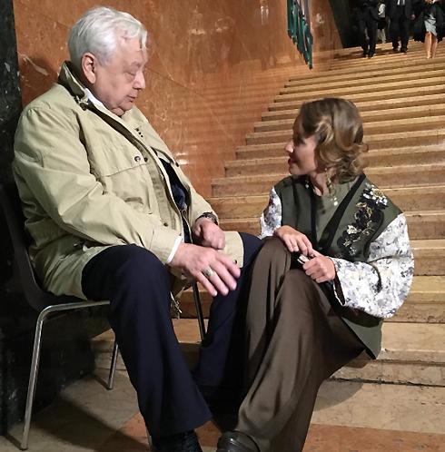 Собчак на открытии выставки Льва Бакста пообщалась с Олегом Табаковым