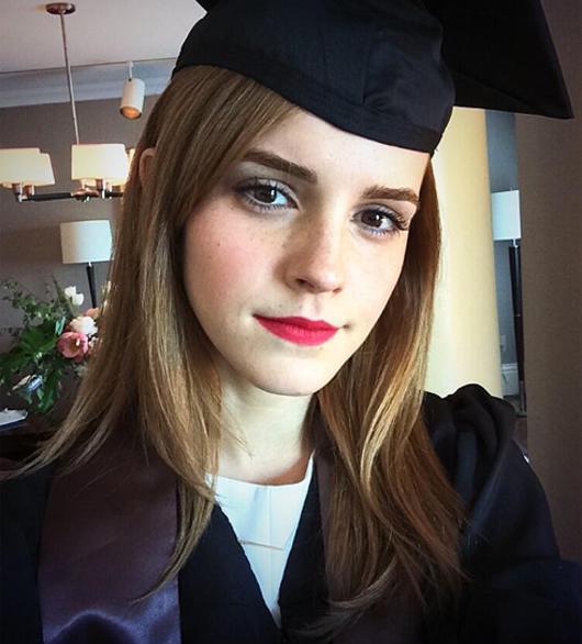 Эмма Уотсон закончила Брауновский университет. Актриса получила степень бакалавра в области английской литературы
