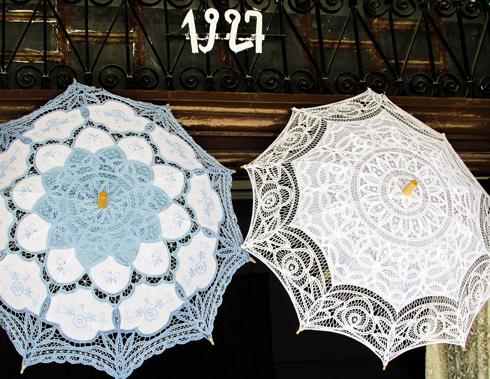В средневековой Европе зонт использовался для защиты от солнце