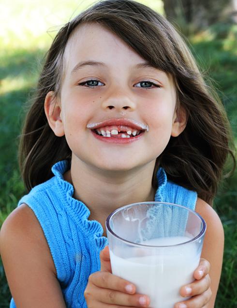 Гиппократ был уверен, что зубы у младенцев формируются из молока матери