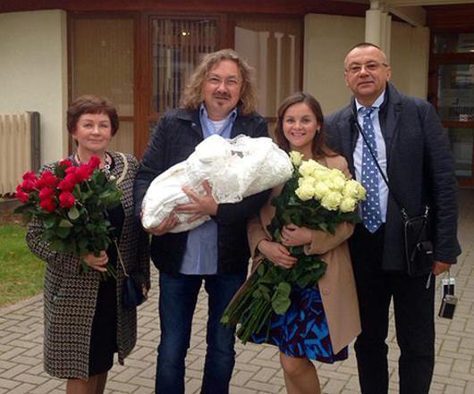 Молодая жена Игоря Николаева ждет ребенка 663