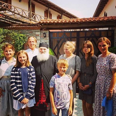 Иван Охлобыстин - многодетный отец с десятками крестников