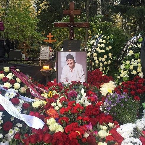Принимавшая вызов отдрузей умирающего артиста Марьянова диспетчер скорой уволена
