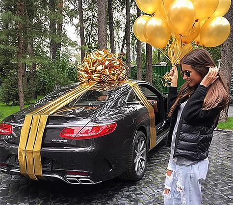 На день рождения Кети Топурия получила от мужа «Мерседес»
