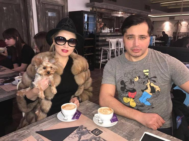 Главный редактор WomanHit.ru Лена Ленина берет интервью у Рустама Солнцева