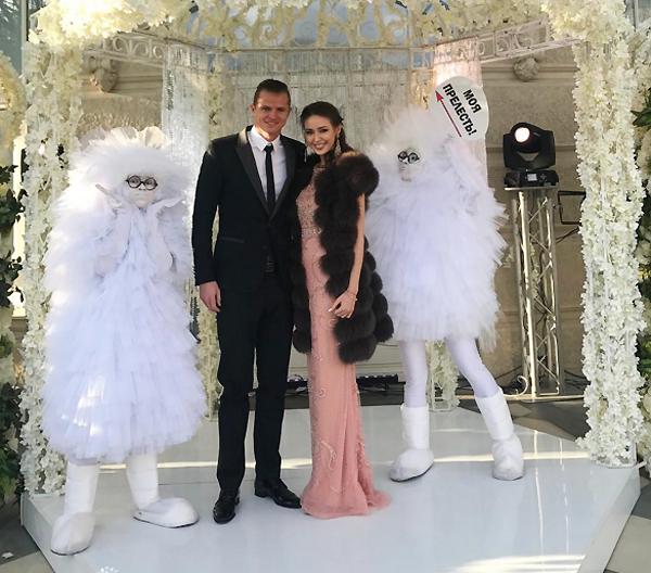 Невеста Дмитрия Тарасова Анастасия Костенко рассказала о беременности