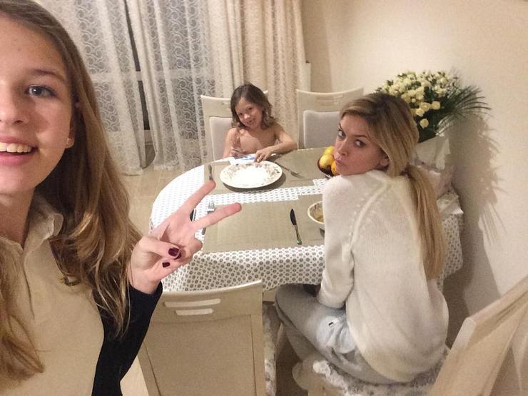 фото девушек красивых в домашних условиях 16 лет