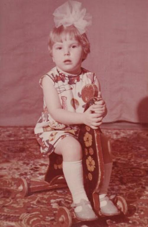 Юлия Артемова в детстве