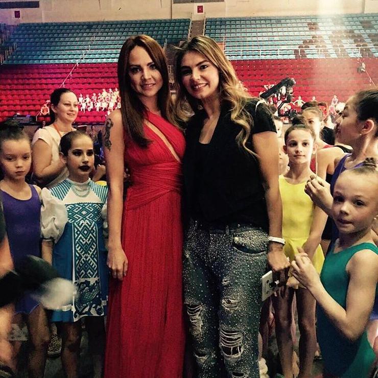 Певица МакSим опубликовала совместное фото с Кабаевой