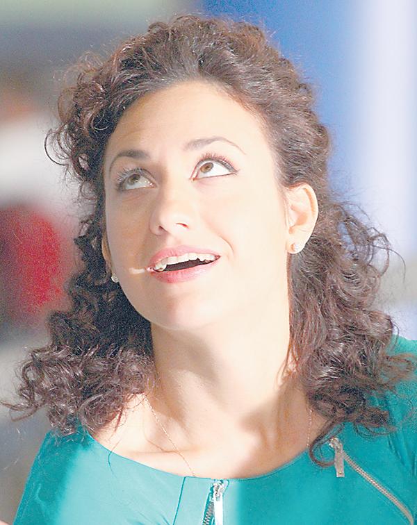 Главную женскую роль сыграла Надежда Бахтина, известная по сериалу «Кармелита»